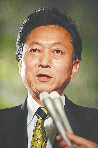 日本共同社17日发布的一项调查结果显示,16日成立的鸠山新内阁的支持率高达72%。新华社/法新