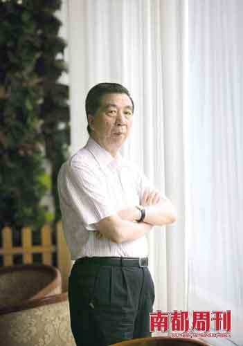 电视业内很多朋友对陈汉元的印象是:善良谦和,才情张扬。电视连续剧《雷雨》中蔡琴唱的那首细腻缱绻的主题歌,歌词就出自他手。