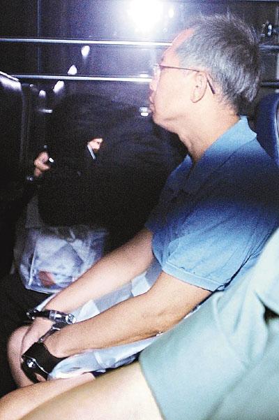 淫妻喜欢被轮奸_淫警梁礼仲,承认在旺角警署内强奸及非礼报案人,被重判入狱12年后