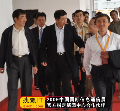 搜狐IT编辑再次向奚国华副部长提问