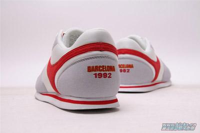 1992巴塞罗那奥运会纪念鞋款; 90年来李宁每届奥运会领奖鞋; 1992年图片