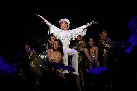 """苏打绿小巨蛋演唱会_苏打绿""""日光狂热""""演唱会开唱 主题鲜明获成功-搜狐音乐"""