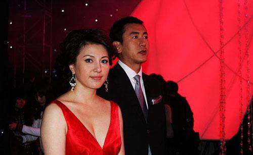 资料:2009年央视中秋晚会主持人 梦桐 - 51比购