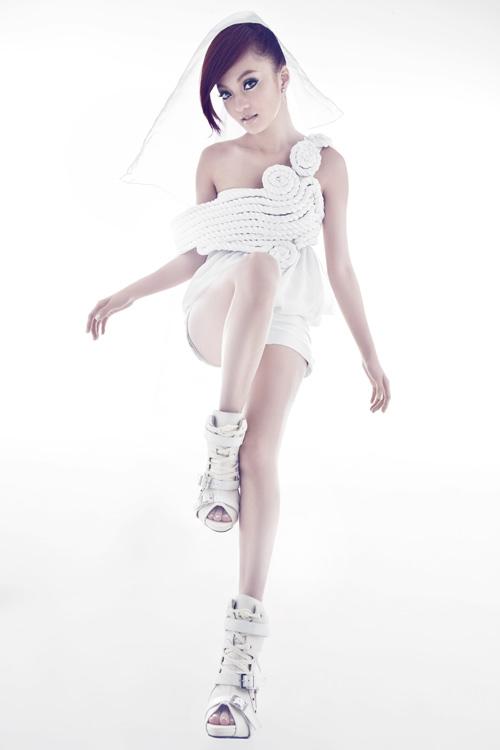张韶涵新专辑《第五季》明天全亚洲发行在即
