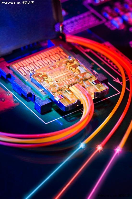 Intel开发电脑新接口 使用光纤连接
