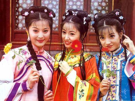 范冰冰、林心如、赵薇(左起)主演了《还珠》前两部