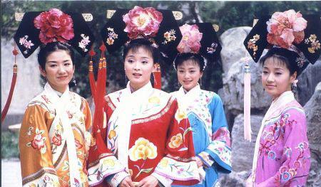 黄奕、王艳、秦岚、马伊俐(左起)主演的《还珠III》