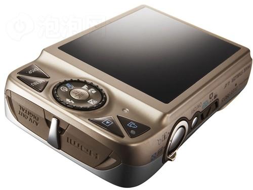 """佳能/IXUS 990 IS新增的""""眨眼检测""""功能是一个在拍摄多人合影时..."""