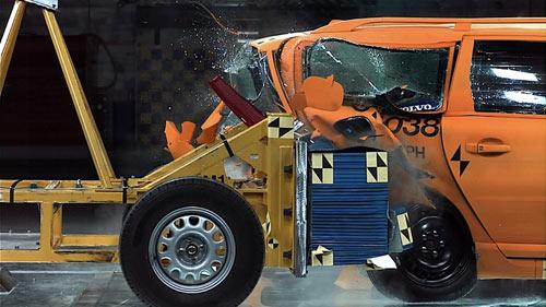 电动车碰撞测试