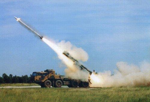 03远程火箭炮_PHL03式300毫米多管火箭炮