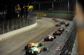 图文:F1新加坡大奖赛正赛 赛车长龙