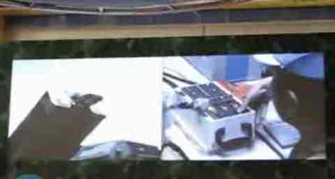 """9月20日,""""辉煌六十年——中华人民共和国成立60周年成就展""""在北京展览馆对公众开放。国防展区的大屏幕首度曝光了中国巡航导弹的发射视频。"""