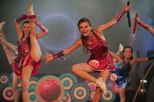 啦啦队舞蹈图片