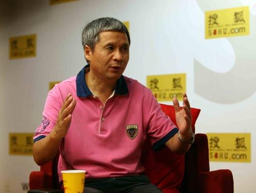 国庆60周年天安门广场网幕焰火燃放实施单熊猫烟花集团董事长赵伟平接受专访。