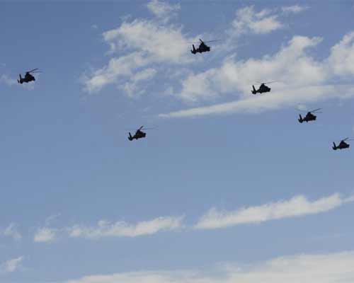 天安门广场迎来了世界阅兵史上最大规模的直升机编队