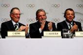 图文:巴西总统泪洒发布会 卢拉鼓掌庆祝