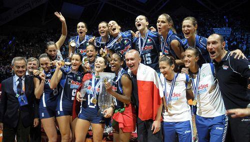 图文:女排欧锦赛意大利夺冠 意大利冠军合影