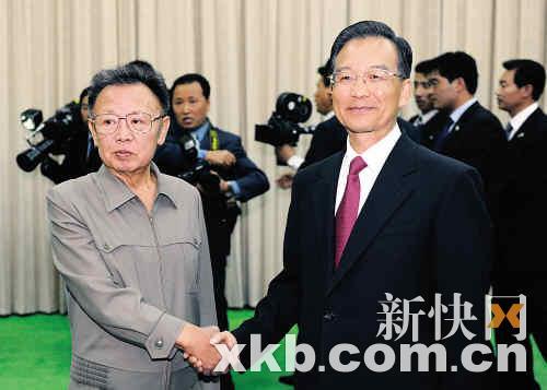 10月5日,温家宝在平壤会见金正日。 新华社发