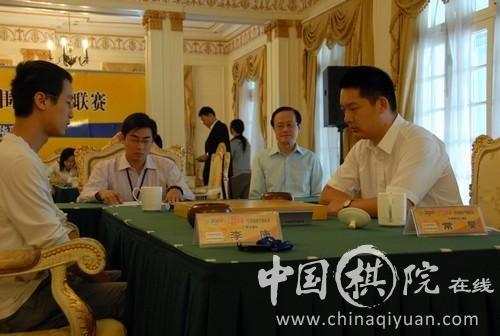 图文:围甲第15轮上海迎战广西 常昊不敌李康