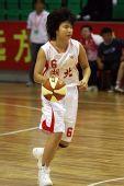 图文:北京女篮胜湖北女篮 准备带球突破