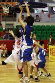 图文:北京女篮胜湖北女篮 张帆跳投出手