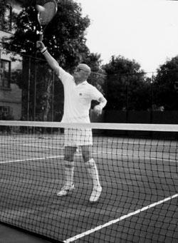 吕正操上将的网球情节 90岁时才挂拍