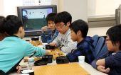图文:三星杯八强激战 韩国小棋手集体研究比赛