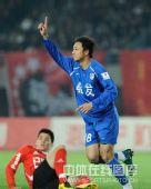 图文:[中甲]辽宁5-1南京夺冠 杨善平无奈对手