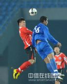 图文:[中甲]辽宁5-1南京夺冠 杨善平高高跃起