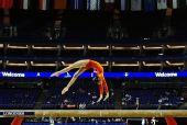 图文:体操世锦赛女子资格赛 杨伊琳在比平衡木