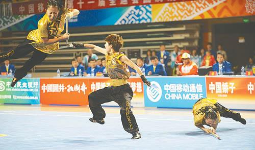 10月14日,天津队在女子对练的比赛中演练双刀进双枪。当日,在山东省滨州举行的第十一届全运会武术套路女子对练比赛中,天津队以9.78分夺得金牌。
