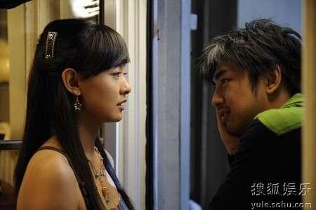 《精舞门II》中周奇奇饰演的绵绵与陈柏霖饰演的乐天