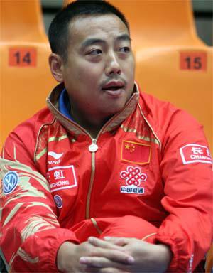 场外观战的刘国梁教练成竹在胸