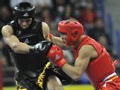 图文:散打男子77.5公斤级冠军敖特根巴特尔