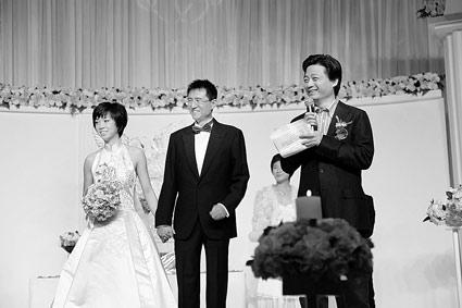 婚礼现场 崔永元担当司仪