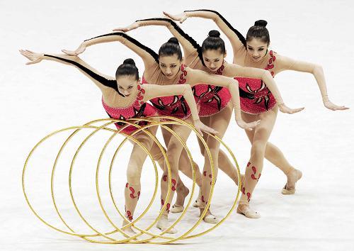 10月18日,辽宁队在成年集体五圈比赛中。当日,在山东德州举行的第十一届全运会艺术体操团体总分比赛中,辽宁队以总分111.455获得冠军。