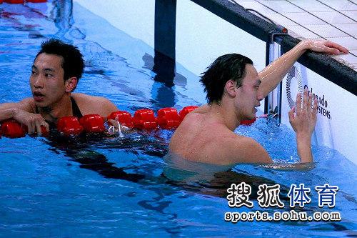图文:男子4*200米自由泳接力 张琳略显沮丧