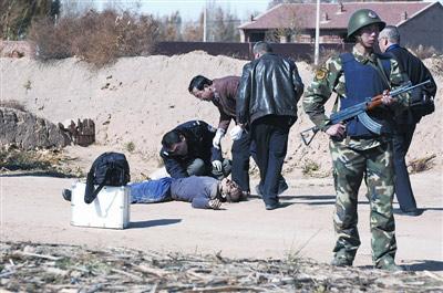 逃犯高博被当场击毙。