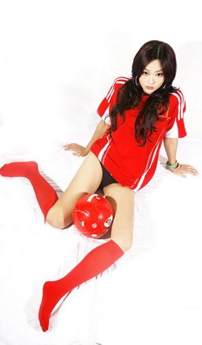 宝贝与足球共舞