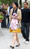 好莱坞一周潮人街拍:凯蒂-赫尔姆斯1