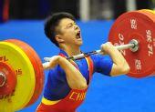 图文:男子56公斤级龙清泉夺冠 大吼一声