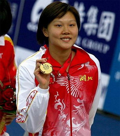 赵菁200米仰泳摘冠