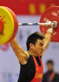 图文:举重男子69公斤级 廖辉是大力士