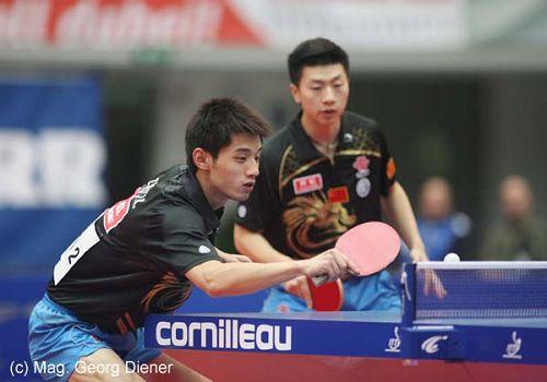 图文:国乒男团3-0中国香港 张继科网前削球
