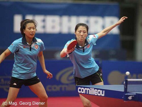 图文:国乒女团3-1逆转中国香港 展臂回球瞬间