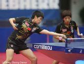 图文:国乒女团3-1逆转中国香港 郭跃探身回球