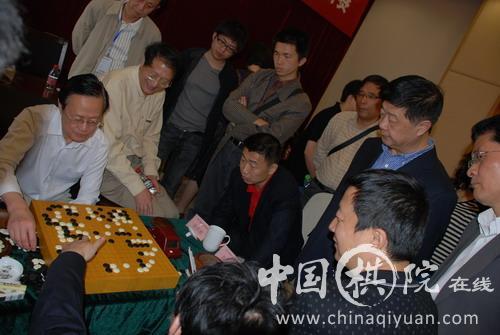 刘思明、王谊、曹大元等观战