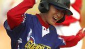 图文:女子垒球广东队晋级决赛 栗白璐成功上垒