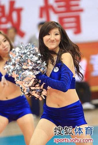 组图:全运排球宝贝热舞表演