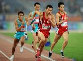 图文:男子4X400米接力广东队夺冠 三四棒交接
